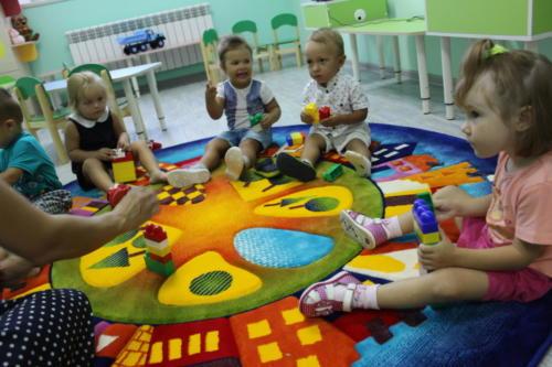 Малыши за игрой (2-3 года)